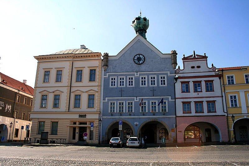 Krásný výhled na Litoměřice a okolí vám nabídne vyhlídková věž Kalich umístěná v litoměřické radnici.