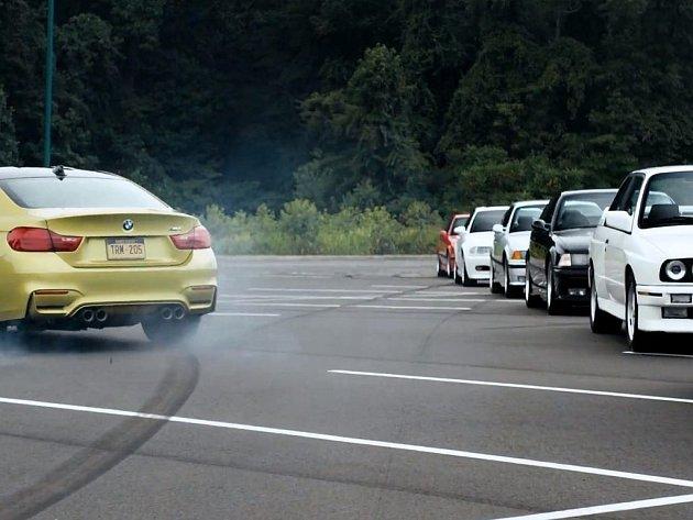 Nové BMW M4 bylo představeno svým předchůdcům.