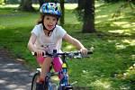 Malí cyklisté předvedli svou zručnost a rychlost v zámeckém parku v Brankách.
