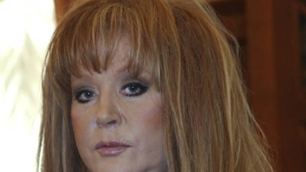 Hvězda ruského popu Alla Pugačovová.