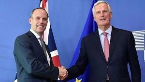 Britský ministr pro brexit Dominic Raab a vrchní evropský vyjednavač Michel Barnier
