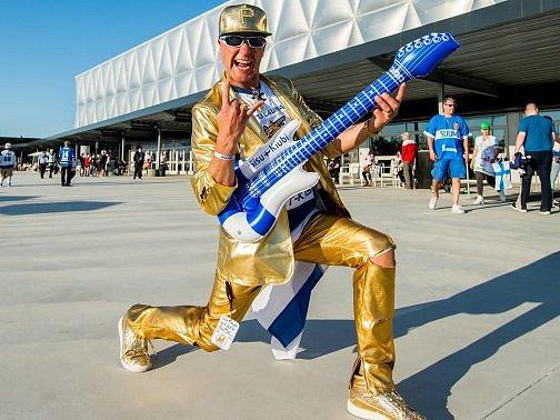 Tohoto fanouška Finska určitě nikde nepřehlédnete.