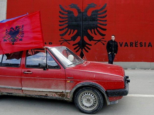 V kosovském hlavním městě Prištině byla 17. února slavnostně vyhlášena nezávislost provincie na Srbsku.