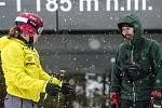 Olympijské vítězce Ester Ledecké už s přípravou na lyžích nepomáhá Ondřej Bank.