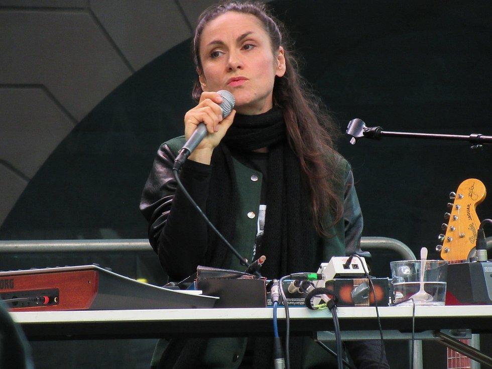 Vystoupení Lenky Dusilové na festivalu Bohemia JazzFest