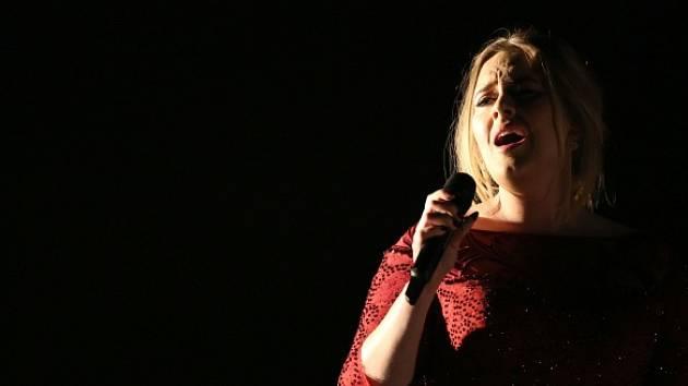 Zpěvačka Adele.