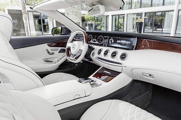 Mercedes-Benz SCabriolet.