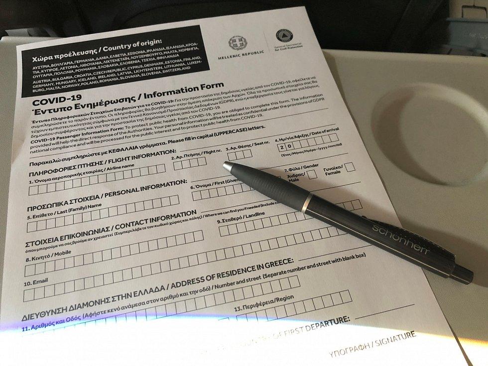 V letadle budete také vyplňovat jeden dotazník. Je dobré mít s sebou propisku.