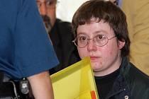 Barbora Škrlová neboli Anička z kauzy Kuřim požádala soud o podmínečné propuštění po uplynutí poloviny pětiletého trestu. Okresní soud v Havlíčkově Brodě však její žádosti nevyhověl, šestatřicetiletá žena tak zůstává ve vězení.