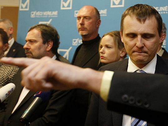 Věci veřejné vystoupily před novináře 8. dubna v Praze. Na snímku Vít Bárta.