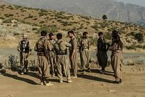 Kurdské milice v boji proti IS - ilustrační foto.