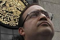 Třiačtyřicetiletý Javier Duarte, který zmizel před měsícem, je obviněn z řady deliktů, včetně praní špinavých peněz a organizovaného zločinu.