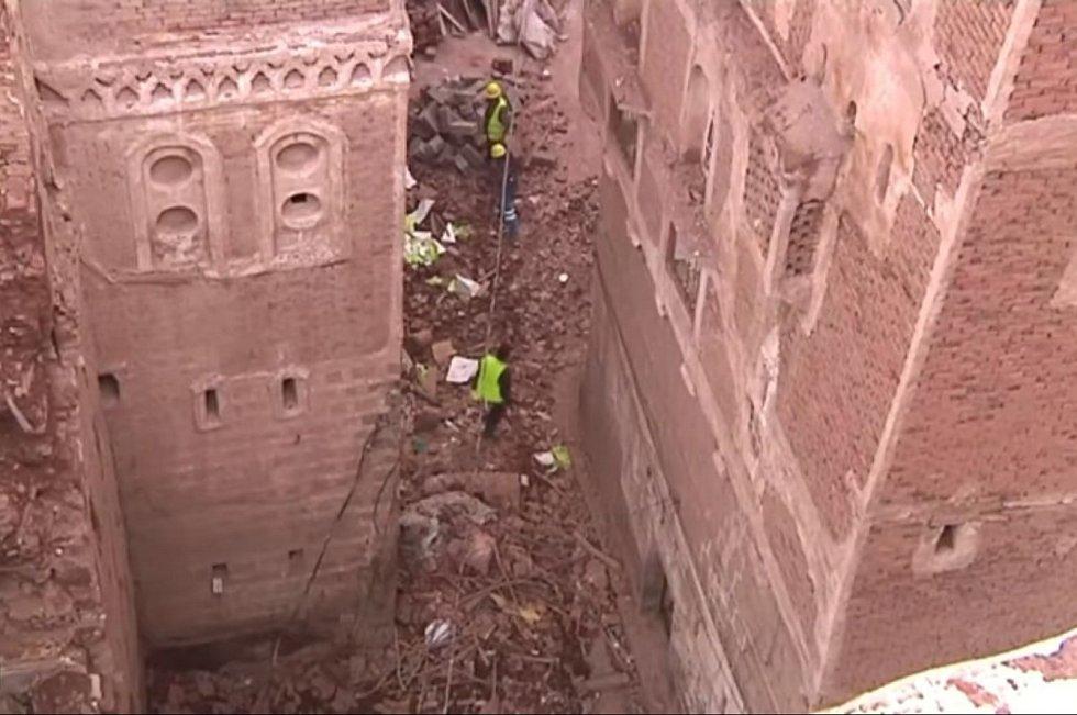 Jsme mezi životem a smrtí, spíme s hrůzou až v žaludku, říkají obyvatelé hlavního města Jemenu