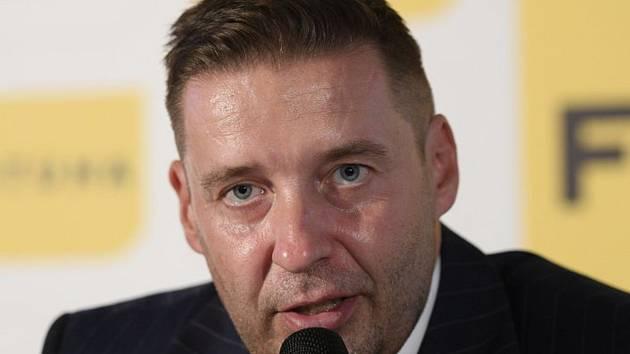Předseda Ligové fotbalové asociace Dušan Svoboda.