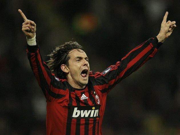 Útočník AC Milan Filippo Inzaghi se raduje z jediného gólu, který dal AC Milán v úterním utkání Celtiku Glasgow.