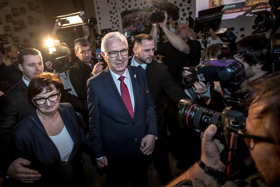 Volební štáb Jiřího Drahoše při prvním kole prezidentských voleb 13. ledna v Praze.
