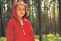 Držme palce. Snímek Marii Procházkové Kdopak by se vlka bál domácí filmová akademie v nominacích na Českého lva ze záhadných důvodů zcela pominula. Možná se Červená Terezka (na snímku v podání Dorotky Dědkové) dočká uznání spíš v Berlíně.