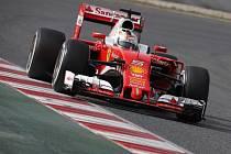 Sebastian Vettel při testech