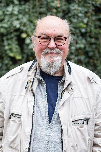 Max Kašparů, 70let, Rynárec, řeckokatolický kněz a psychiatr