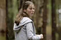 Andrea Berntzen jako hlavní hrdinka Kaja, s níž procházíme hrůzou celého filmu.