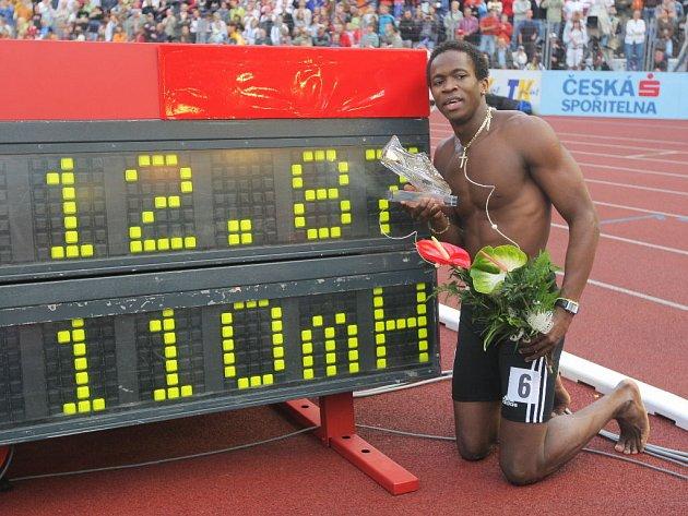 Dayron Robles se svým rekordem.