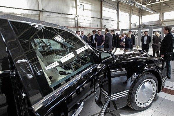 Kreml se pochlubil pokrokem ve vývoji nové limuzíny pro ruského prezidenta Vladimira Putina.