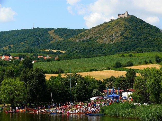 Pálavský festival dračích lodí na Nových Mlýnech