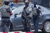 Belgická policie dnes dopadla islámského radikála Salaha Abdeslama, který je považován za jediného přímého účastníka loňských listopadových pařížských atentátů.