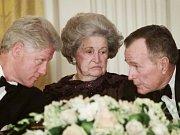 Bill Clinton (vlevo) a George Bush starší (vpravo)