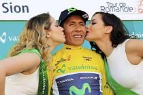 Nairo Quintana si užívá pozici lídra v závodu Kolem Romandie.
