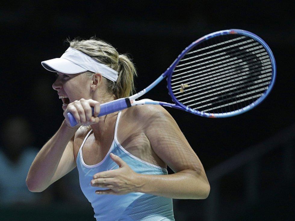 Maria Šarapovová na Turnaji mistryň porazila Simonu Halepovou.