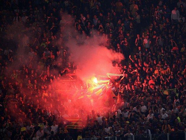 Fanoušci Barcelony slaví přímo v hledišti v Římě triumf v Lize mistrů.
