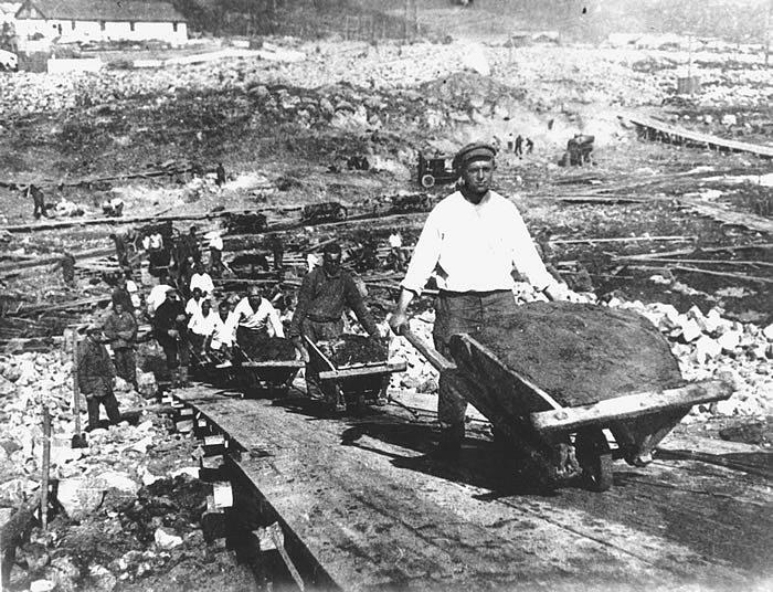 Vězni v gulagu. Stavba Bělomořsko-baltského kanálu