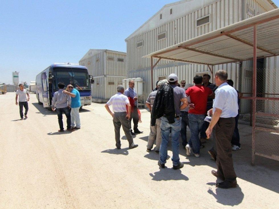 Evakuace tureckých občanů z Libye.