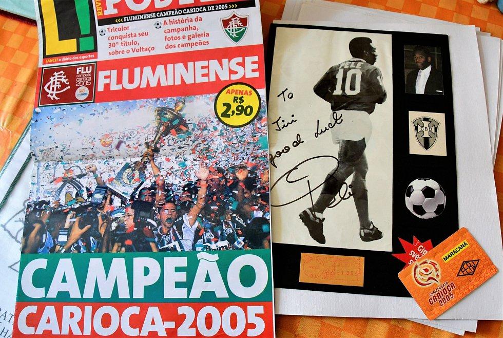 Autogram hvězdného fotbalisty Pelého. Vlastním jménem vlastním jménem Edson Arantes do Nascimento.