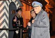 Setkání prezidenta Miloše Zemana s příznivci u příležitosti čtvrtého výročí inaugurace se konalo 9. března na Pražském hradě. Na snímku je válečný veterán Pavel Vranský s doprovodem.
