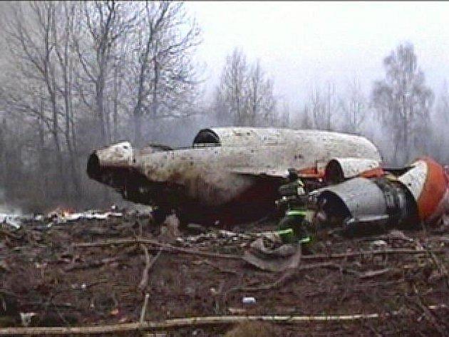 Na místě katastrofy letounu polského prezidenta u Smolenska vyšetřovatelé našli další takzvanou černou skříňku, doplňkový záznamník polské výroby, který bude rozšifrován v Polsku s účastí ruských expertů.