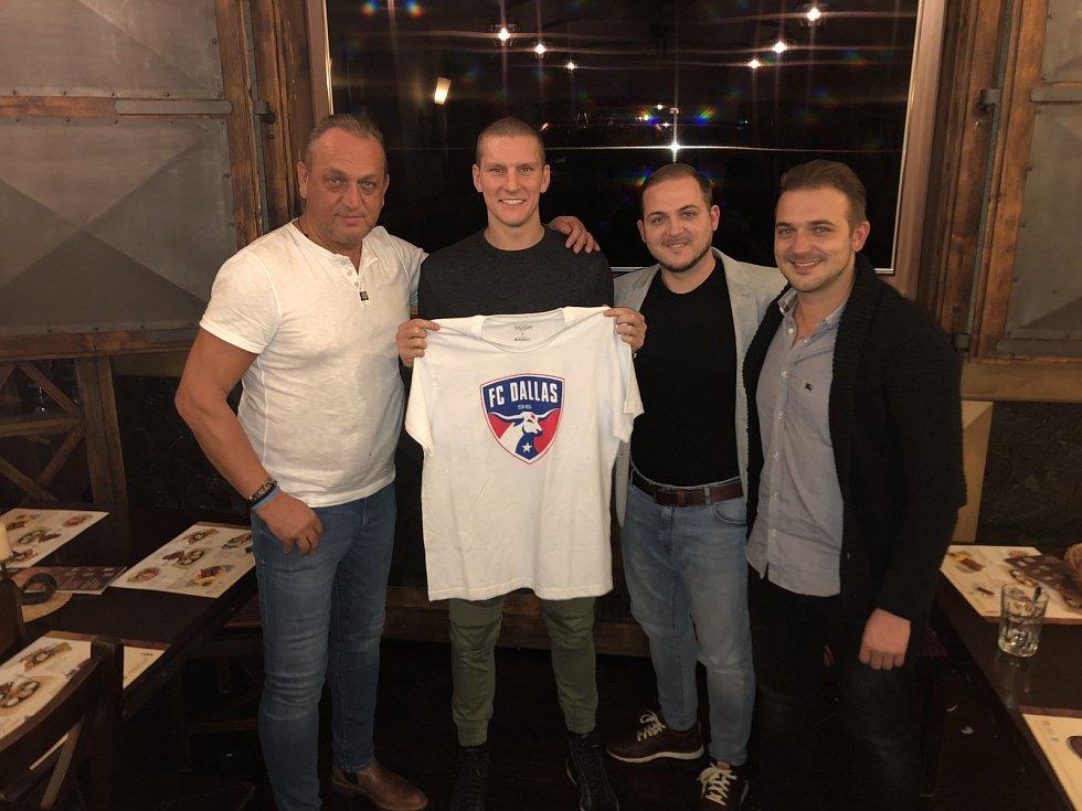 Pavel Zíka (zleva), na snímku dále Zdeněk Ondrášek, Filip Zíka a David Zíka.