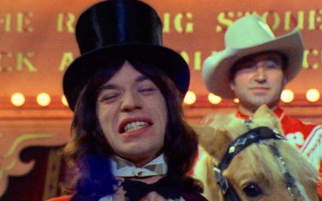 Mick Jagger ve svém rockovém cirkuse