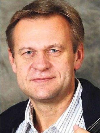Miroslav Vilímec, koncertní mistr České filharmonie a umělecký vedoucí komorního orchestru Harmony Prague.