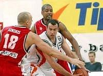 Nymburku se ve finále postaví poprvé basketbalisté Prostějova.