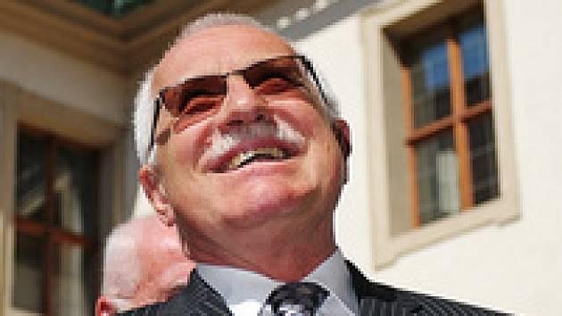 Prezident Václav Klaus: smažou mu politici úsměv z tváře?