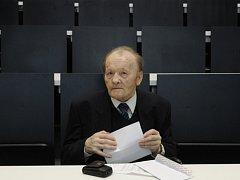 Objevitel antivirotik Antonín Holý.