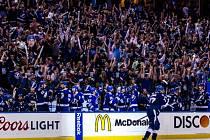 Radost v hledišti i na střídačce. Tampa Bay postupuje mezi čtyři nejlepší celky NHL.
