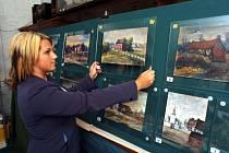 Nacistický vůdce Adolf Hitler stvořil ve svém mládí několik desítek akvarelů a skic. Další pak dotvořili jeho padělatelé