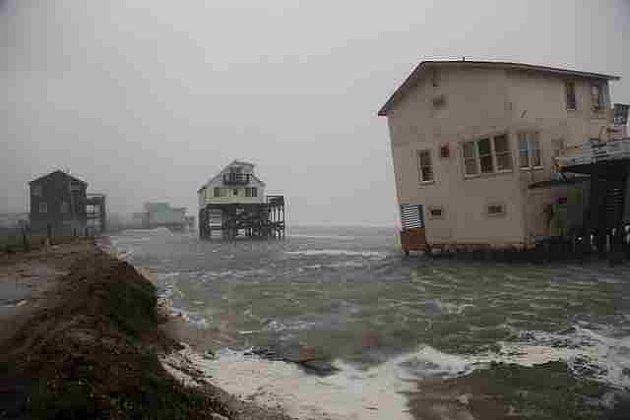 Opuštěně východní pobřeží USA před hurikánem IRENE
