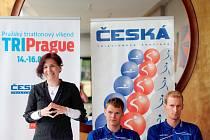 Lenka Kovářová na tiskové konferenci k závodu
