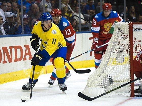 Mikael Backlund při zápase s Ruskem