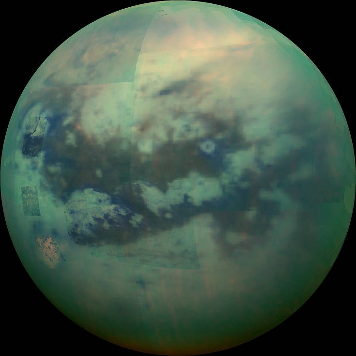 Pohled skrz amosféru měsíce Titan