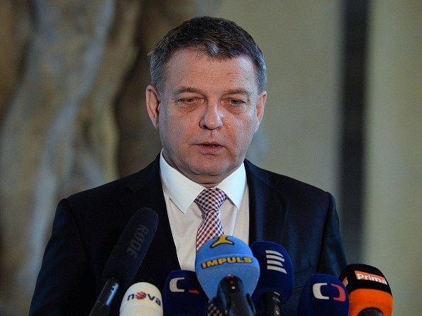 Ministr zahraničních věcí ČR Lubomír Zaorálek vystoupil 23. prosince v Praze na tiskové konferenci k případu české oběti teroristického útoku v Berlíně. Obětí je Češka Naďa Čižmárová, která dlouhodobě pracovala v Německu.